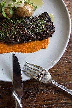 Williston Park, نيويورك: grilled skirt steak