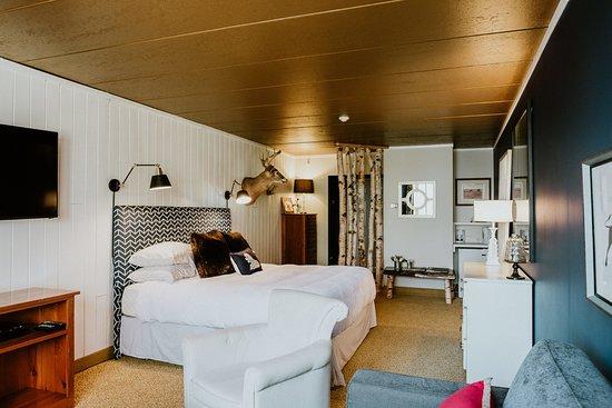 Lakeside - King Room