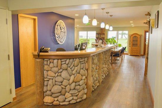 Ocean Resort: Front Desk