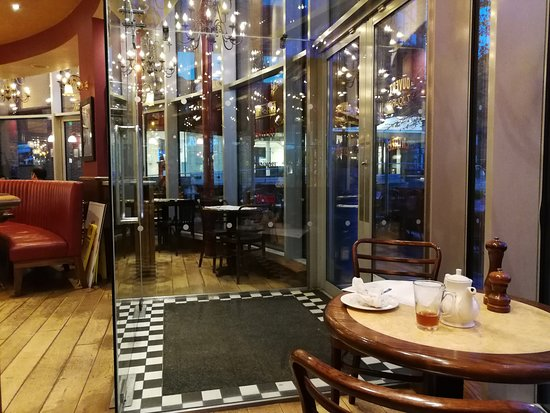 Cafe Rouge - Woking: Entrance of Restaurant