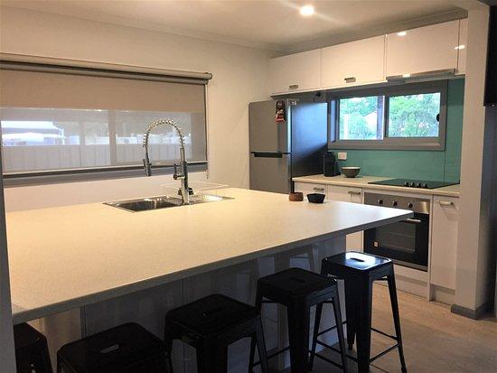 Nulkaba, Australia: Hunter Valley Concert Cottage Kitchen