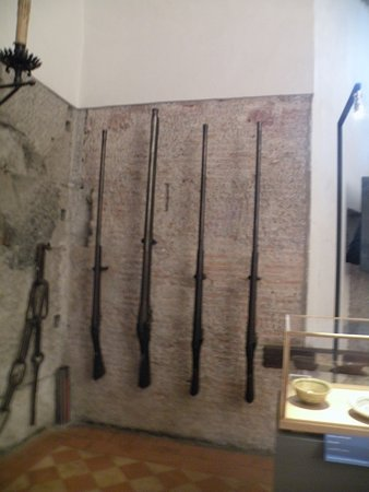 Forno Castel Sant'Angelo: These old guns were over 6 feet long