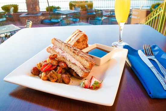 Templeton Landing: Stuffed French Toast