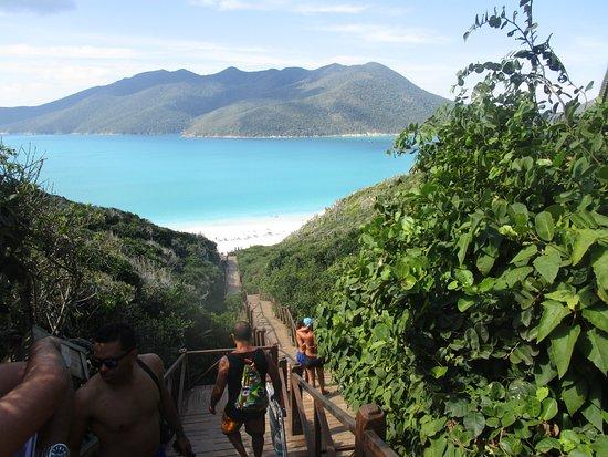 Prainhas do Pontal do Atalaia: bajas las escalera y llega a esta playa fantástica
