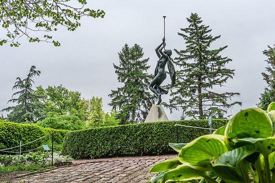 Sunken Gardens: Reveille, the Dancing Nymph