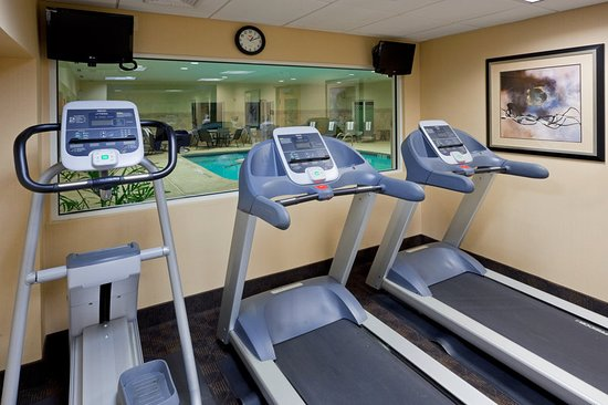 West Long Branch, NJ: Health club