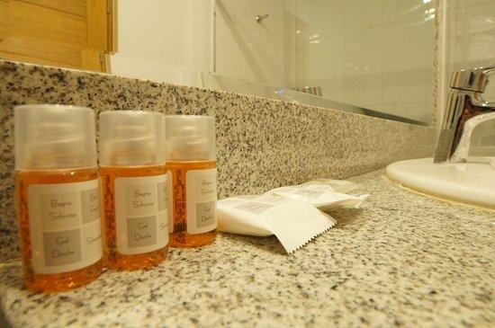 Aguila Dorada Selva Hotel: Jabón, champú y acondicionador en cada habitación