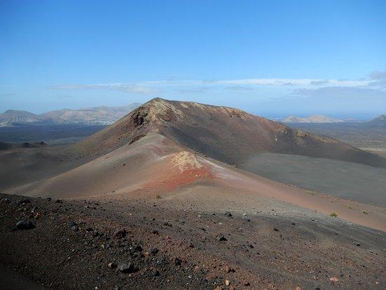 Montañas Del Fuego Timanfayá Picture Of Lanzarote Guides Lanzarote Tripadvisor