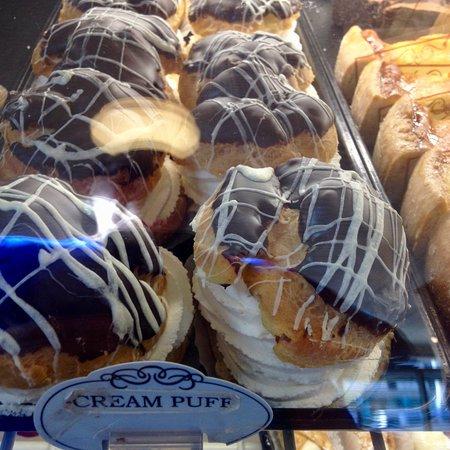 Presti's Bakery & Café: Cream puffs anyone!!!