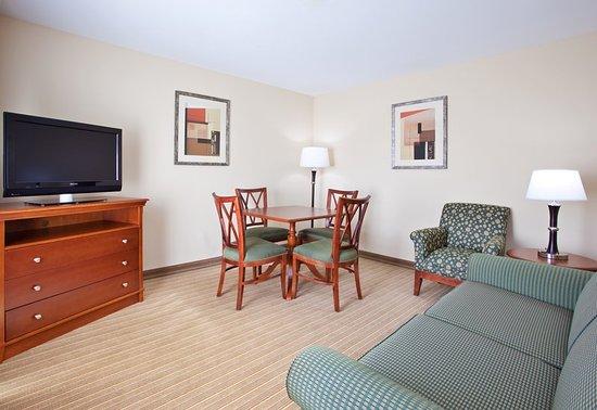 Portland, IN: Suite