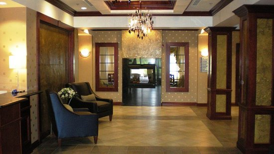 Bentleyville, PA: Lobby