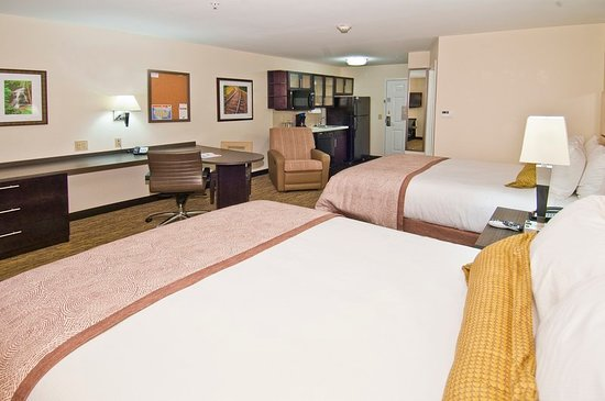 Candlewood Suites Tupelo North: Guest room