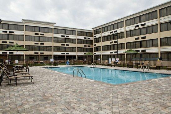 Holiday Inn Greensboro Airport 94 ̶9̶9̶ Updated 2018
