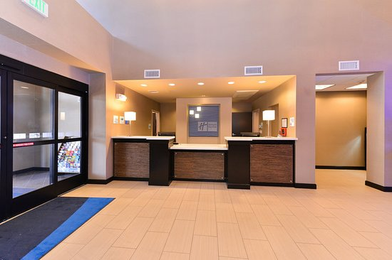 holiday inn express suites indio 86 9 5 updated. Black Bedroom Furniture Sets. Home Design Ideas