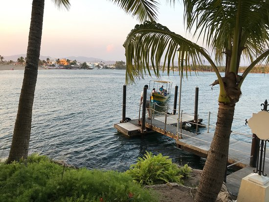 Grand Isla Navidad Resort: Ferry dock