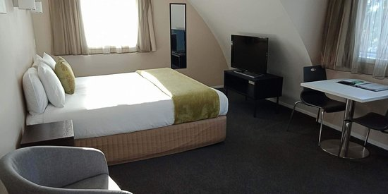 Southpacific Motel & Conference Centre : Superior King studio. upstairs