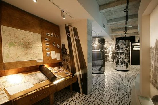 Oskar Schindlers Fabrik Museums-Tour...