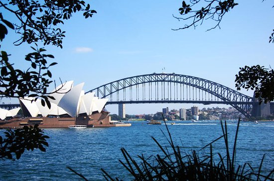 Private Sydney Half-Day Sightseeing...