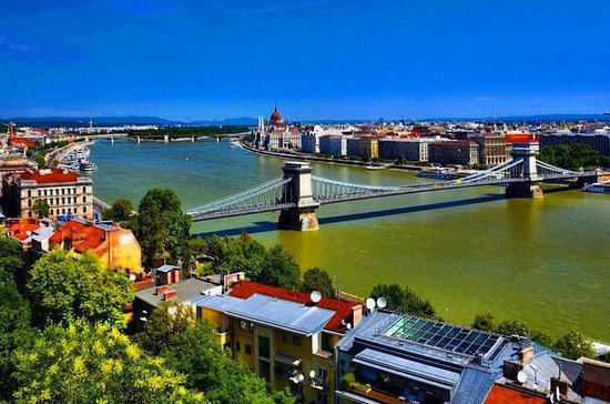 Full-Day Budapest Private Tour by Car...
