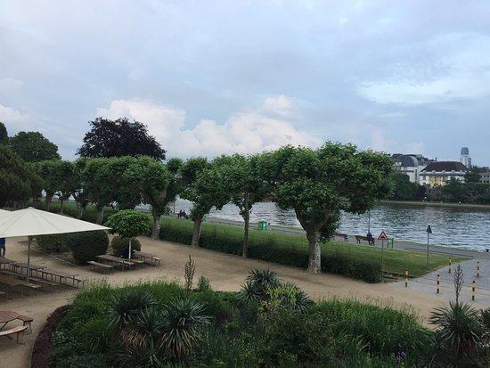MainNizza: View of the river from our table. Absolutely gorgeous and romantic.
