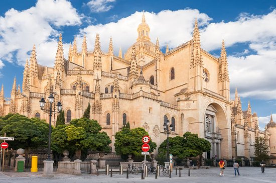 Toledo and Segovia Tour with Alcazar...