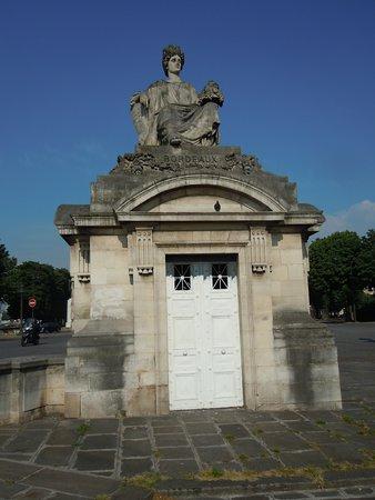 Statue de Bordeaux