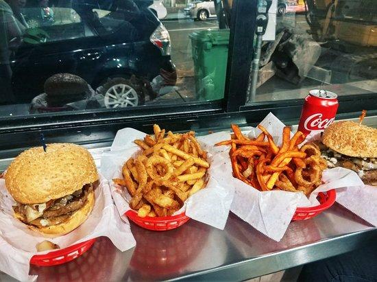 Foto de Pearl's Deluxe Burgers