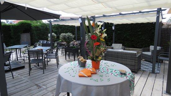 Ô 27: Terrasse du restaurant