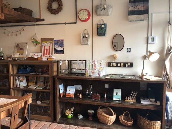 Ronomae Cafe Kitokito: お店の内部(1階)
