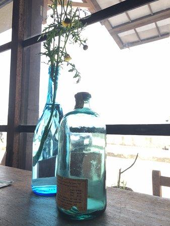Ronomae Cafe Kitokito: 窓際の席