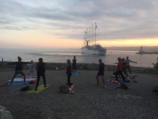 La Joie Infinie : yoga sur la plage Nice