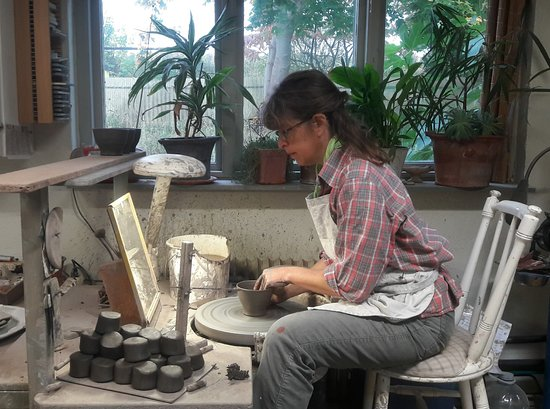 Kajsas Konst & Keramik: Work going on at the potters wheel