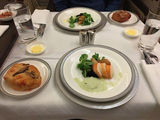 Singapore Airlines: caviar service