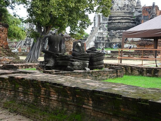 Ιστορικό Πάρκο Ayutthaya: 破壊された仏像