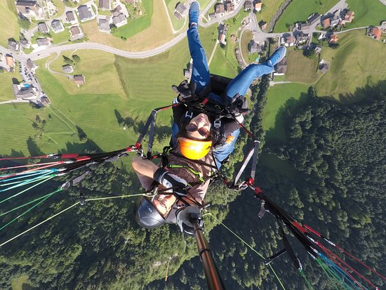 Breiten (Aeugstertal), Szwajcaria: Fly high above in the sky
