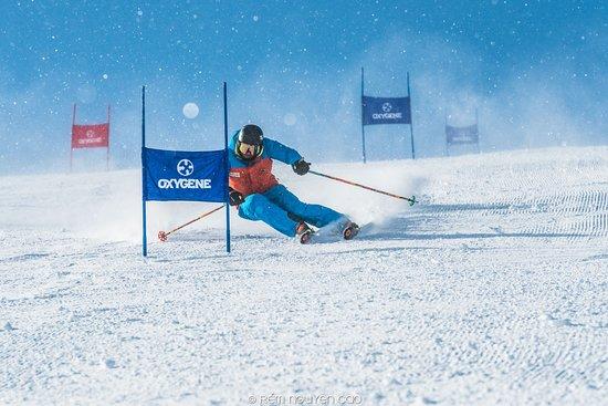 Oxygène ski instructor racing