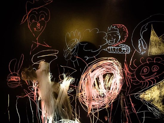 Les Collons, Switzerland: Espace enfants - mur à dessins