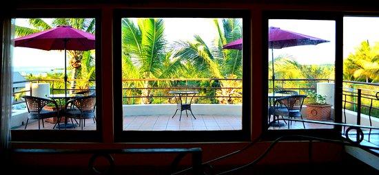 Le Gite de Bonheur: View upstairs