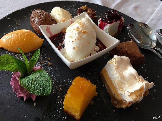 Frade dos Mares: Big Selection of Desserts