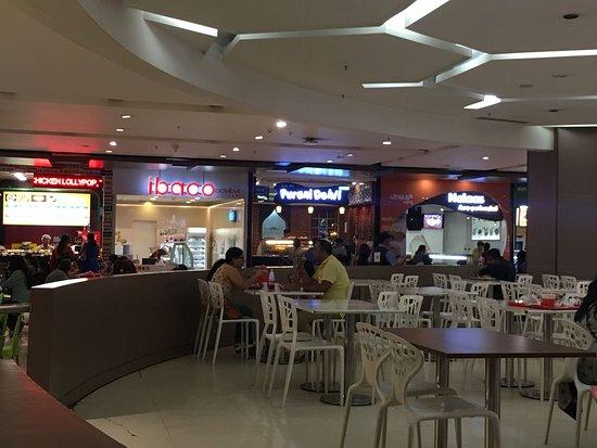 Phoenix Marketcity: The food court