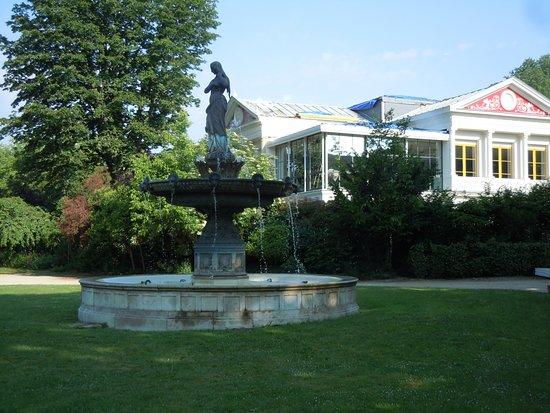 Fontaine des Ambassadeurs