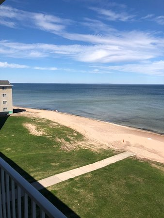 Breakers Resort and Beach Bar: Different view from my balcony.