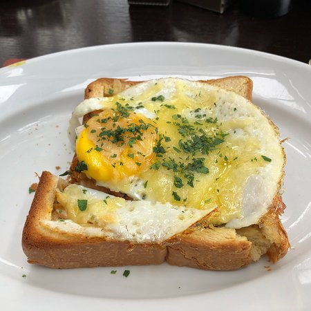 Park Hyatt Beijing: Awesome made-to-order breakfast choices on the top floor