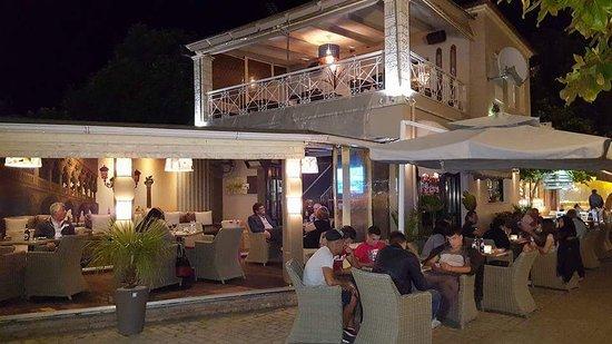 Oasis Cafe-Bar: getlstd_property_photo