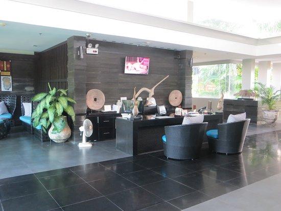 Ramada Khao Lak Resort: Empfang