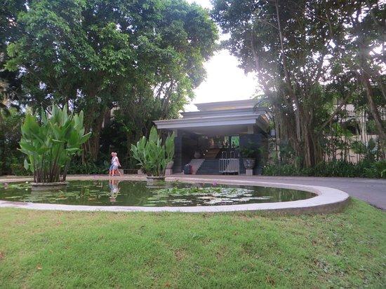 Ramada Khao Lak Resort: Eingang