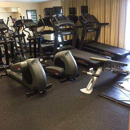 Clarion Hotel Philadelphia International Airport: Gym equipments not bad.. yet no breakfast buffet its on alacarte😞