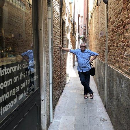 Floransa, İtalya: Когда права человека превыше всего....