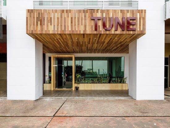 Tune Hotel - 1Borneo, Kota Kinabalu: Main entrance