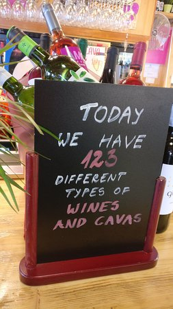 Vino Vidi Vici: Anything for everybody - always more than 100 varieties.